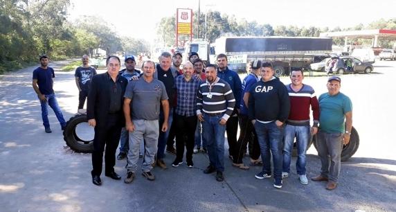 ADMINISTRAÇÃO MUNICIPAL DE TAQUARA APOIA MANIFESTAÇÃO DOS CAMINHONEIROS