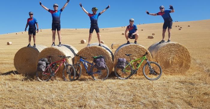 Ciclistas do Vale do Paranhana fazem viagem de bike pela Europa