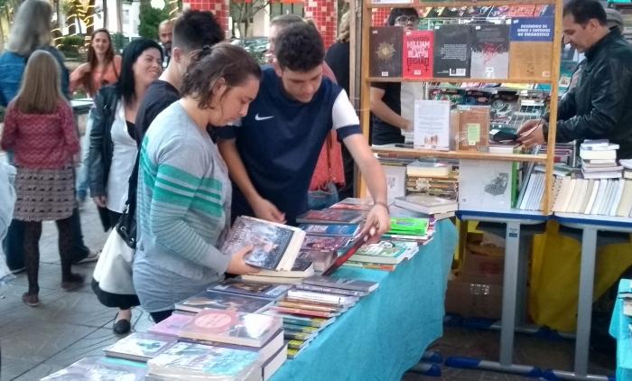 feira do livro em PAROBÉ TEVE SUA ABERTURA NA QUARTA-FEIRA