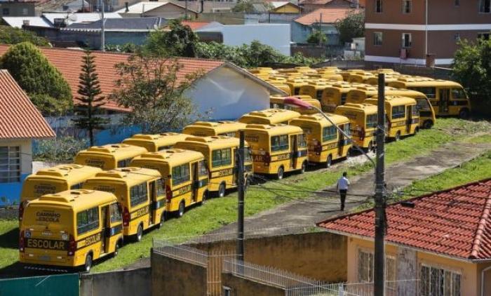 Crise entre prefeituras e Estado pode prejudicar transporte escolar