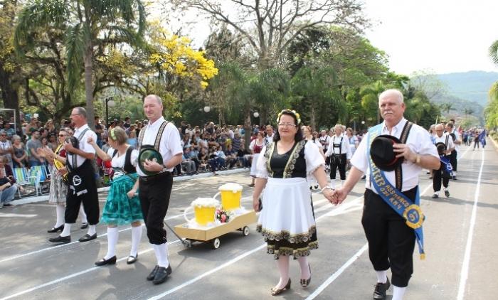 Desfile Cívico de Três Coroas celebra a Independência do Brasil