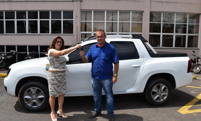 Secretaria de Obras de Sapiranga recebe veículo adquirido com recursos de leilão