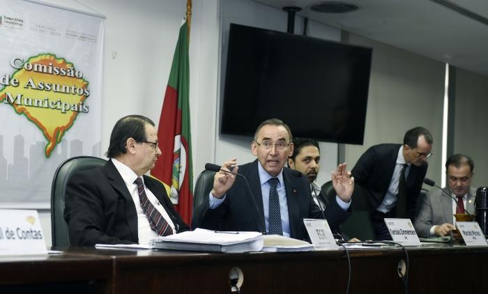 Municípios exigem transparência na gestão da EGR