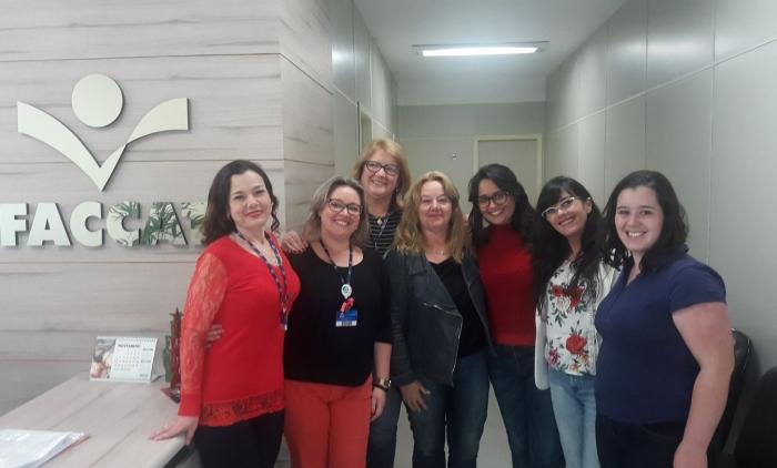 Escritoras do Vale do Paranhana se reuniram na FACCAT