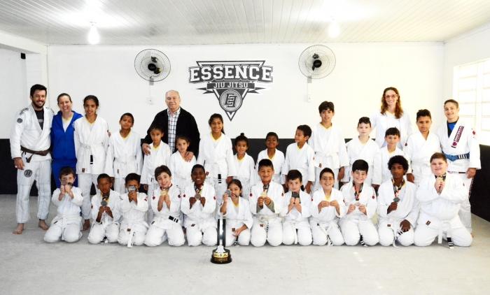 Alunos da AABB Comunidade conquistam medalhas com o projeto Jiu Jitsu