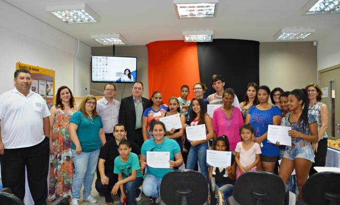 Jovens assistidos pelo CRAS concluem curso de capacitação voltado ao mercado de trabalho