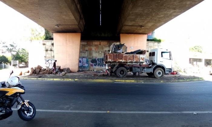SAPIRANGA REALOCA PACIFICAMENTE INDÍGENAS QUE ESTAVAM EM ÁREA PERIGOSA SOB A RS-239