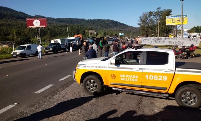 PROTESTOS DE CAMINHONEIROS CONTINUAM NA REGIÃO