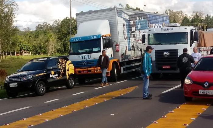 CAMINHONEIROS SEGUEM PROTESTANDO NA REGIÃO