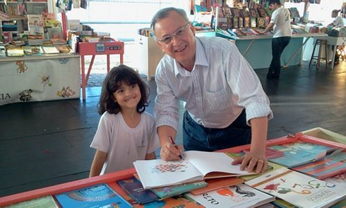 Dilan Camargo é eleito patrono da Feira do Livro de Porto Alegre