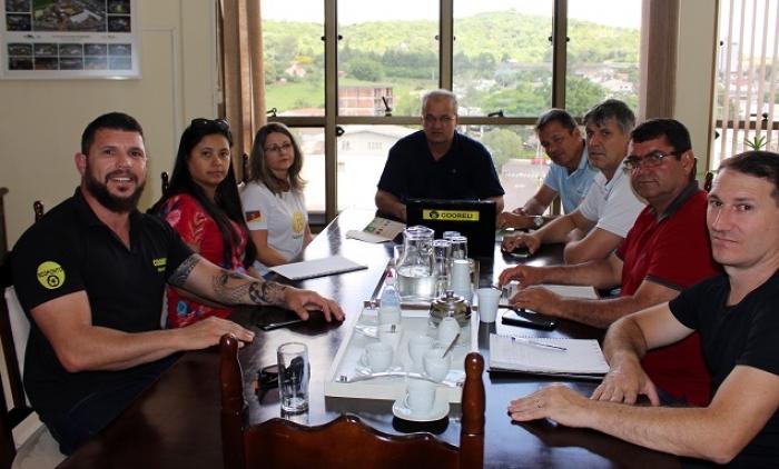 Reunião sobre a instalação de Ecopontos nas escolas de Parobé