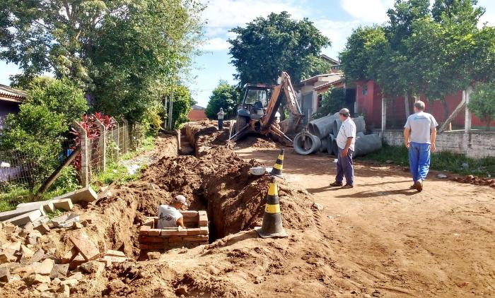Realizadas obras de canalização e pavimentação no bairro Empresa em Taquara