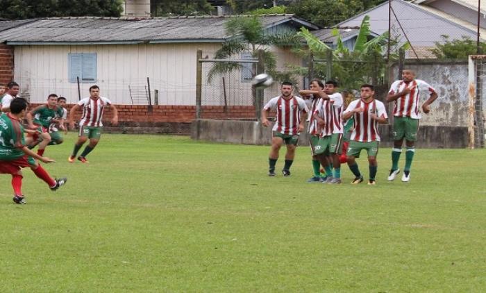 15 de Novembro conquista o municipal de futebol de igrejinha