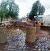Chuva forte prejudicou andamento da obra e trânsito da rua Pinheiro Machado foi interrompido